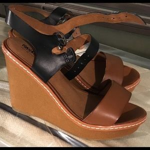 Brown/black wedge Mossimo sandals, size 7